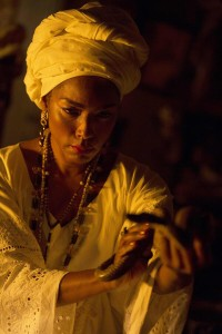 Marie Laveau casting a spell (@ahsfx, Twitter)