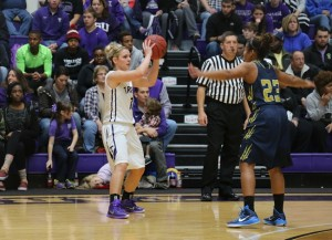 McGrath running the TexAnn offense from the top of the key. Photo by Travis M. Smith
