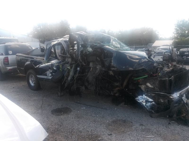 Family fights to survive Highway 281 crash – Texan News